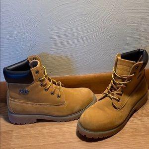 Tan Lugz boots